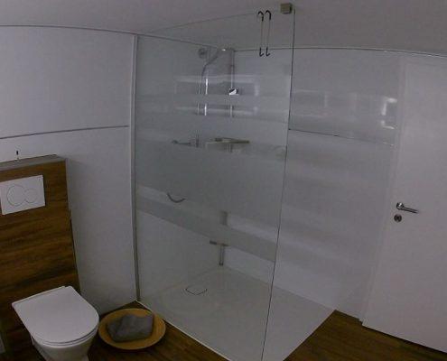 Moderner Duschbereich