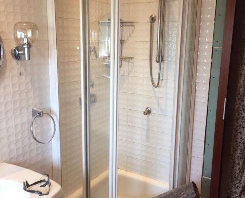 Altes Badezimmer wird komplett saniert